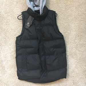 Hooded Puffer Vest NWT (L)